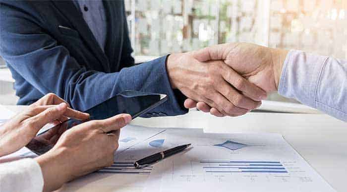business-handshake-700